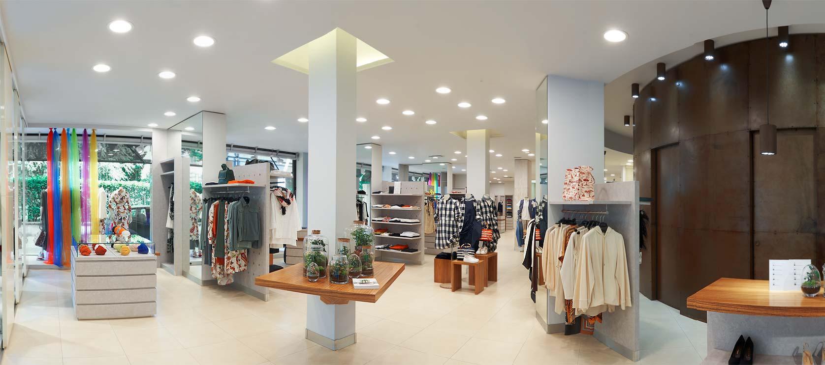 Manganini abbigliamento Milano interno del negozio